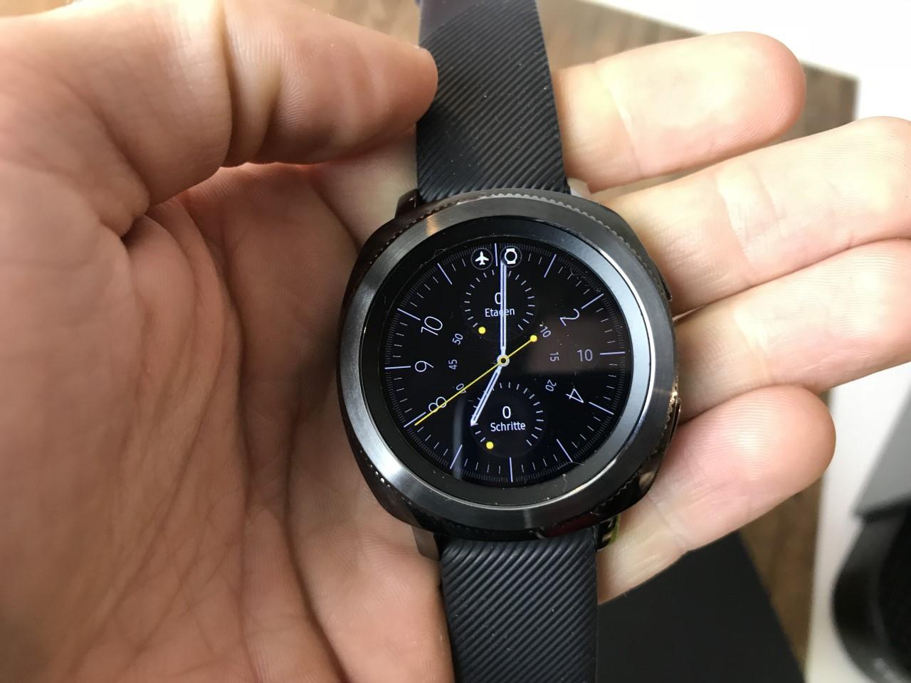 Samsung Gear Sport im Test: Hybrid aus Sportuhr und ...